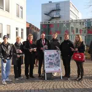 Mitglieder der Jusos im Landkreis Kassel, der Juso-Hochschulgruppe Kassel und der SPD-Landtagsabgeordneten Uwe Frankenberger (3.v.l.), Wolfgang Decker (4.v.l.) und Timon Gremmels (6.v.l.)
